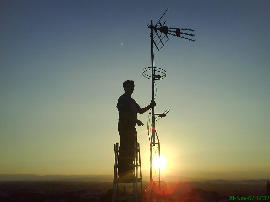antenista-antena-granada-manuel-amate-domo-electra